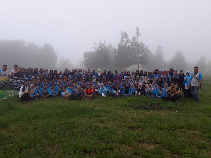 Ratusan Mahasiswa PGSD Ikuti Kemah Keakraban