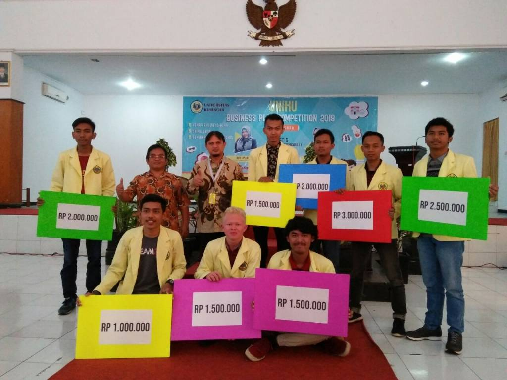 "Warek III Buka ""Uniku Business Plan Competition 2018"""