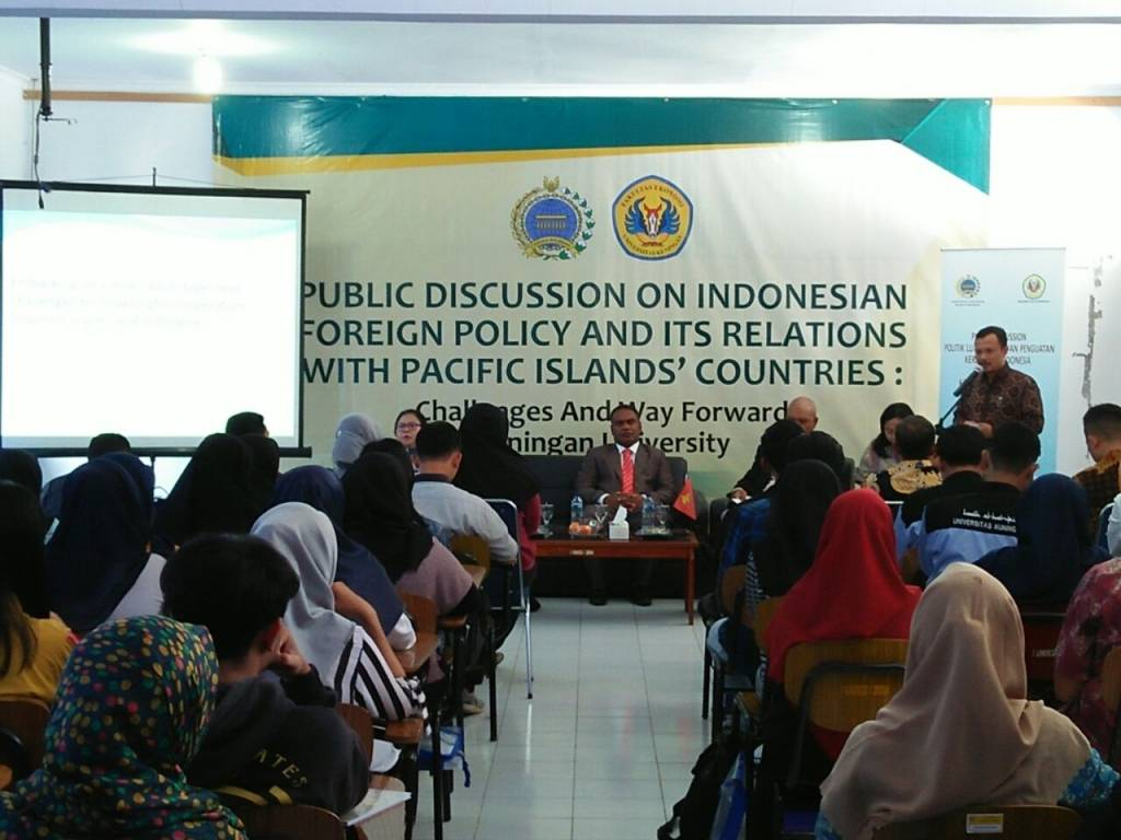 """Public Discussion On Indonesian Foreign Policy And It's Relation With Pacific Islands' Countr"