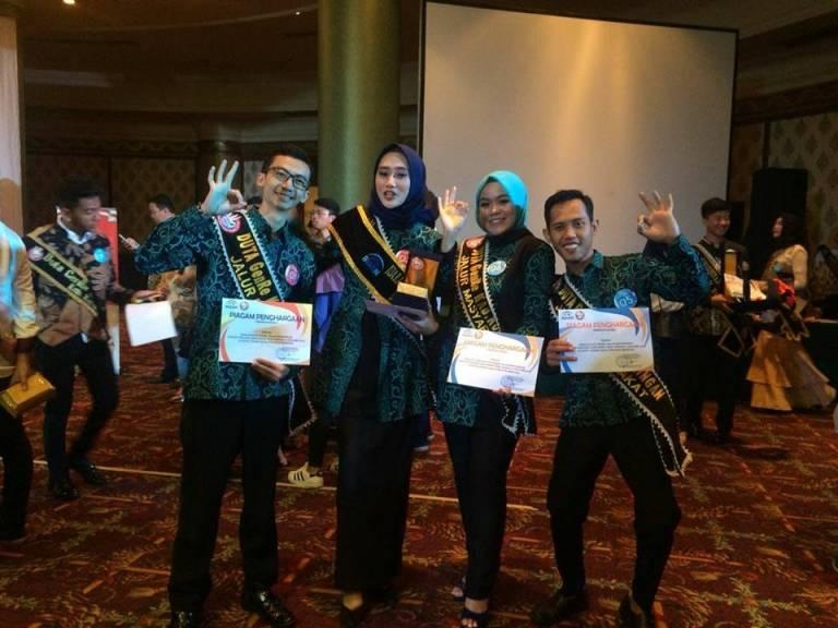 2 Dari 3 Mahasiswa Uniku Kembali Ukir Prestasi Di Duta Genre Jawa Barat