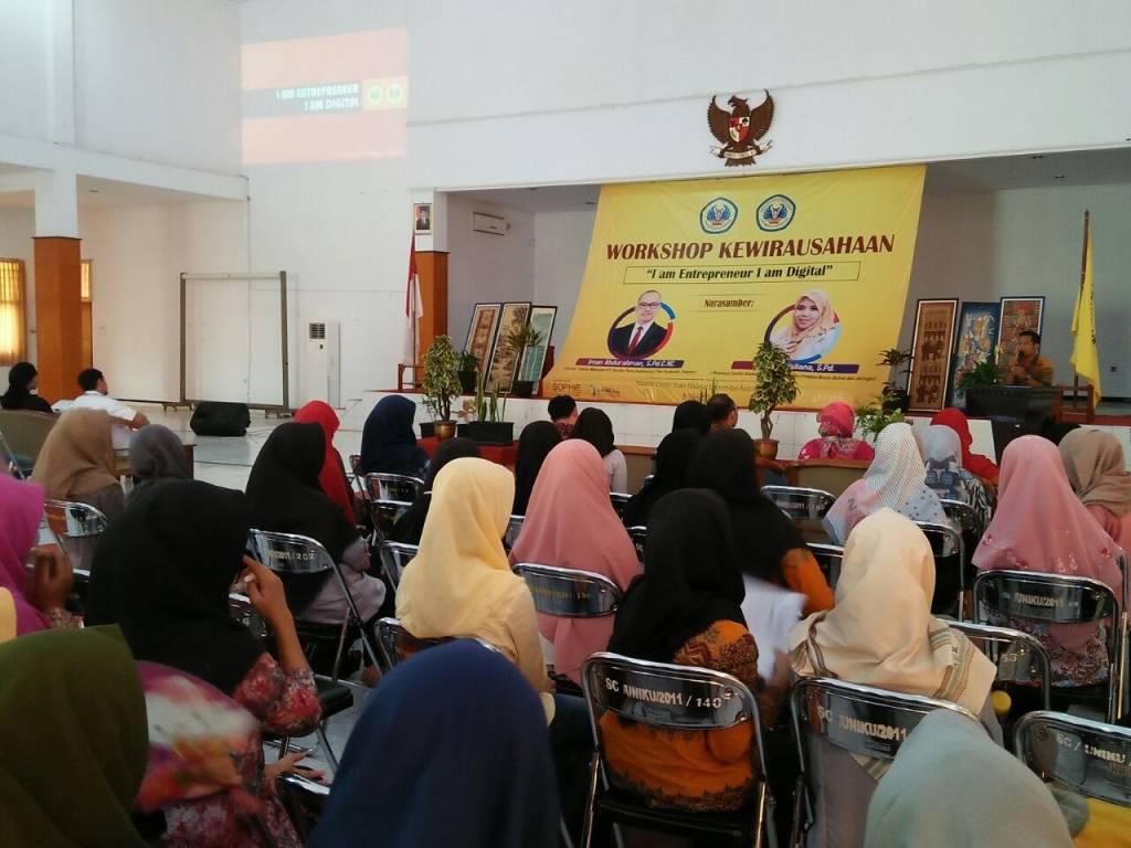 Ratusan Mahasiswa Ikuti Workshop Kewirausahaan