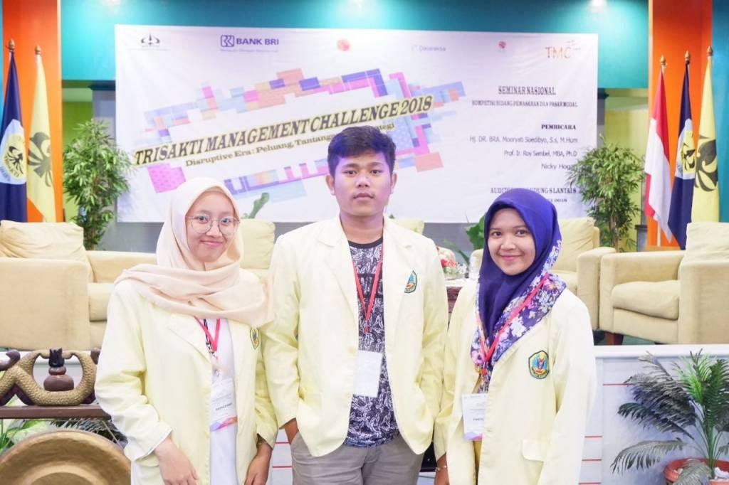 Tiga Mahasiswa Uniku Ikuti Trisakti Management Challenge 2018
