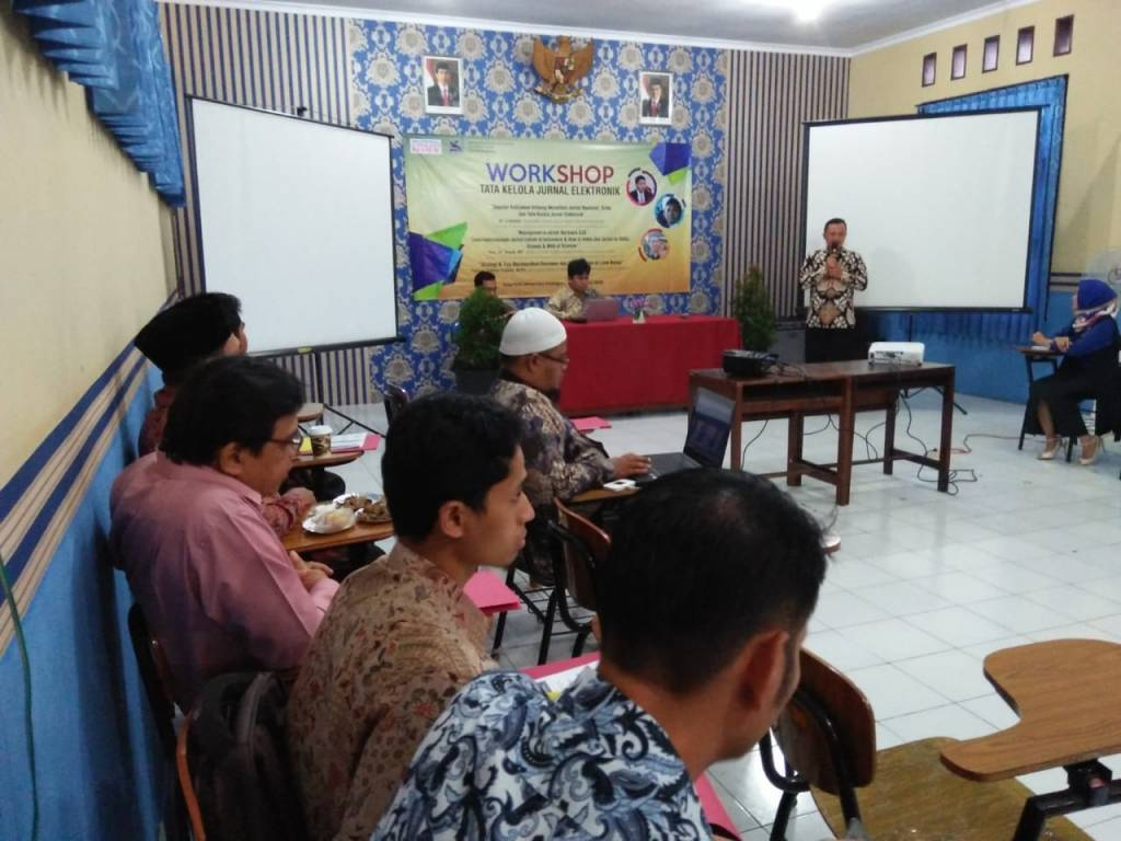 Rektor Buka Workshop Tata Kelola Jurnal Elektronik
