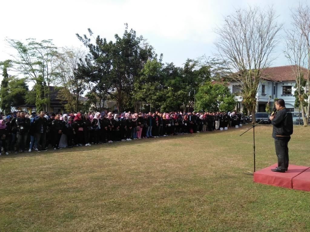 Rektor Lepas Ribuan Mahasiswa KKN 2018