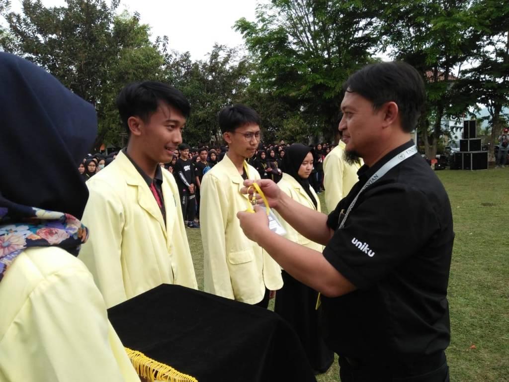 Warek III Tutup PKKMB Uniku 2018