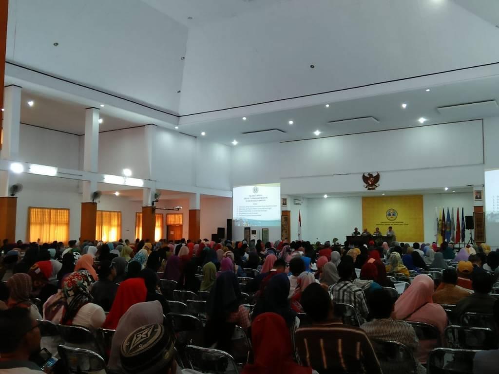 Pererat Silaturahmi, Ribuan Orang Tua Mahasiswa Baru Dikumpulkan
