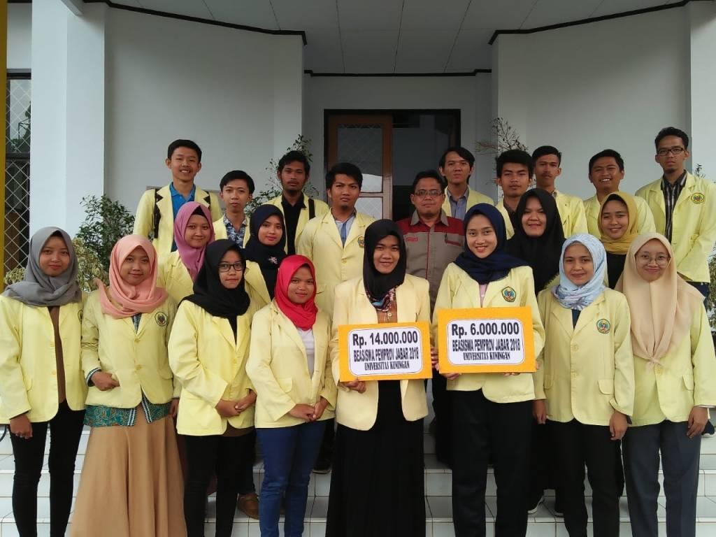 24 Mahasiswa Uniku Terima Beasiswa Pemprov Jabar 2018