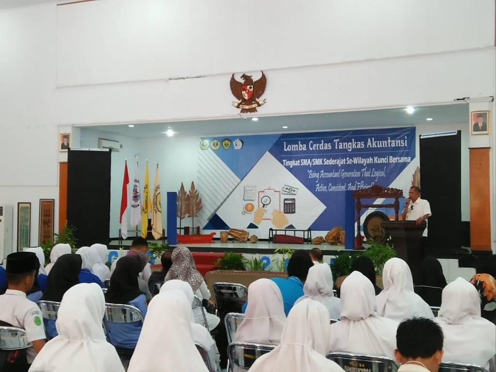 SMA / SMK se-Kunci Bersama Ikuti LCTA Himaku 2018