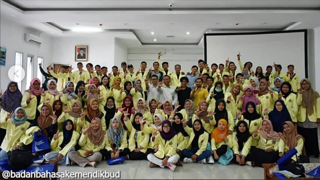Mahasiswa PBSI Kunjungan Studi ke Jakarta