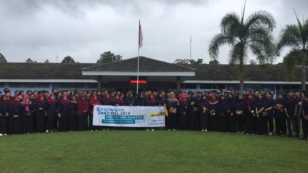 Ratusan Mahasiswa FKOM Kunjungan Industri Kerja Praktek ke Yogyakarta