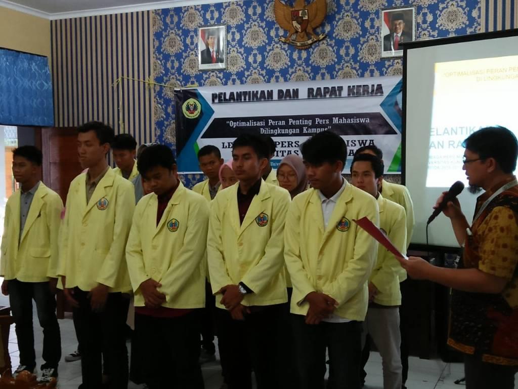 Warek III Lantik Pengurus LPM 2018 – 2019
